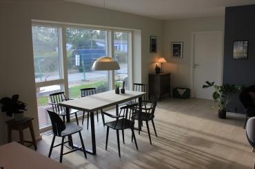 Spisebord med FDB stole